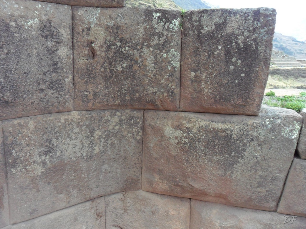 Mura-Poligonali-Megaliti-Altari-Rupestri-Pisac-Cusco-Perù-30