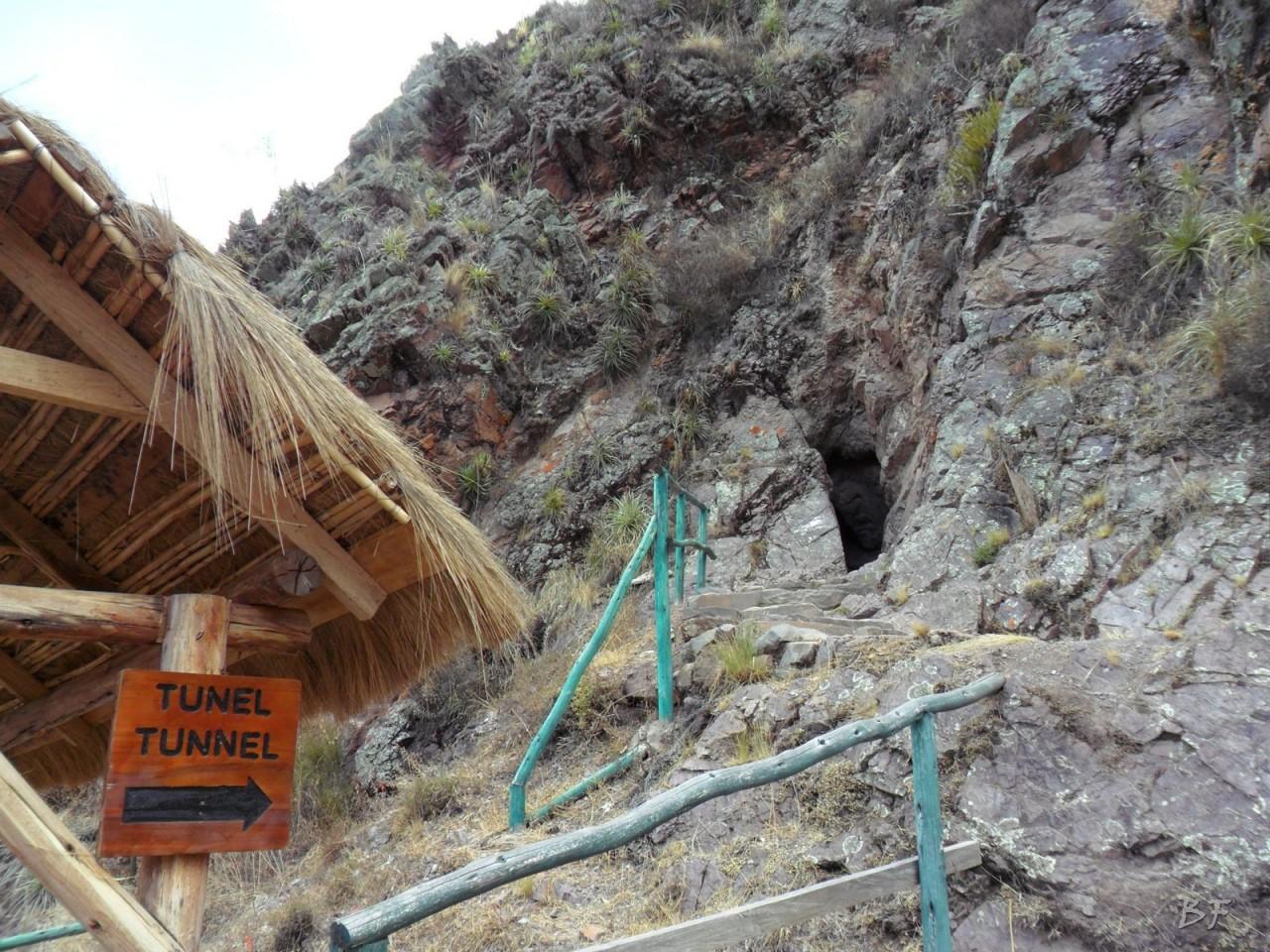 Mura-Poligonali-Megaliti-Altari-Rupestri-Pisac-Cusco-Perù-33