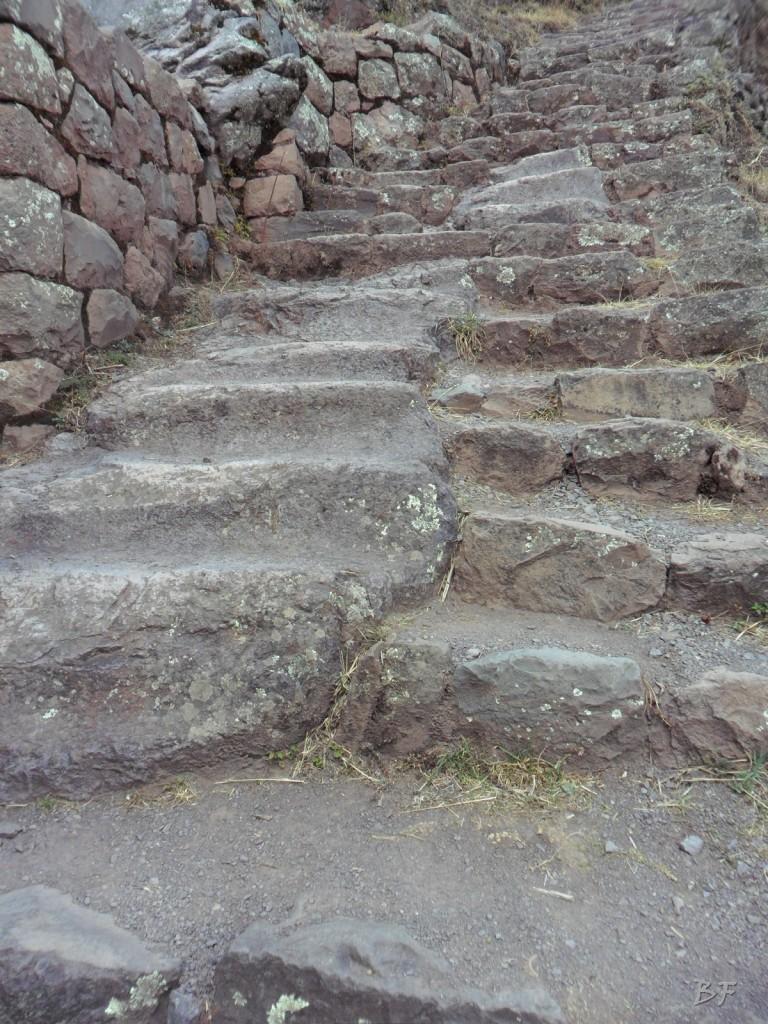 Mura-Poligonali-Megaliti-Altari-Rupestri-Pisac-Cusco-Perù-38
