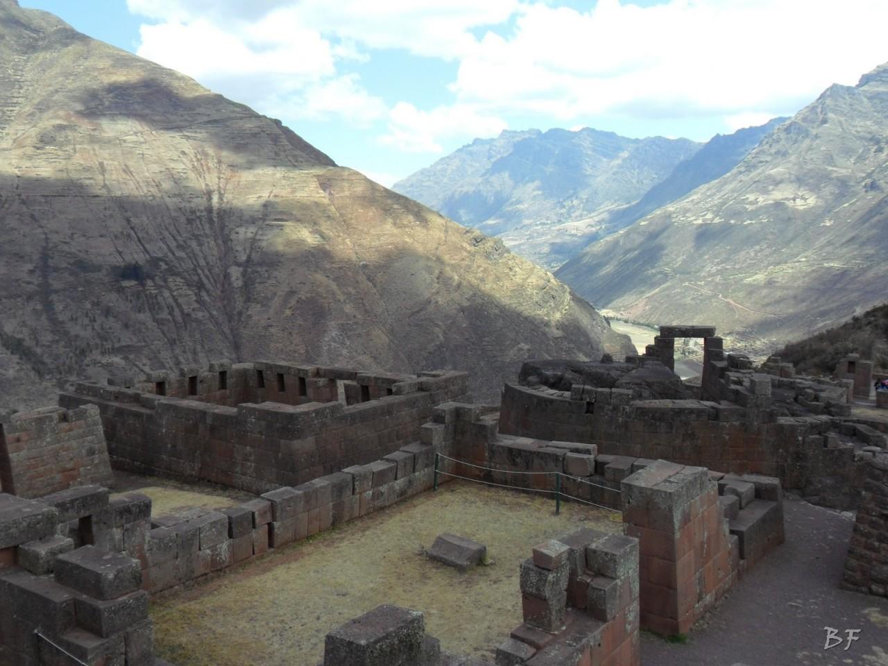 Mura-Poligonali-Megaliti-Altari-Rupestri-Pisac-Cusco-Perù-42