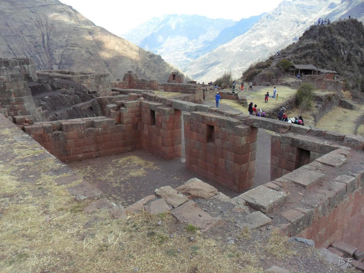 Mura-Poligonali-Megaliti-Altari-Rupestri-Pisac-Cusco-Perù-46