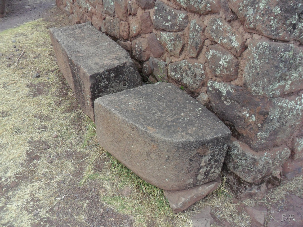 Mura-Poligonali-Megaliti-Altari-Rupestri-Pisac-Cusco-Perù-47