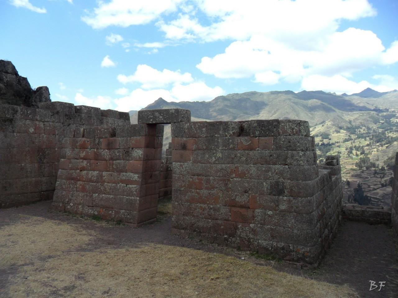 Mura-Poligonali-Megaliti-Altari-Rupestri-Pisac-Cusco-Perù-48