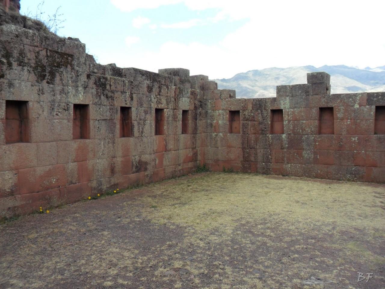 Mura-Poligonali-Megaliti-Altari-Rupestri-Pisac-Cusco-Perù-50