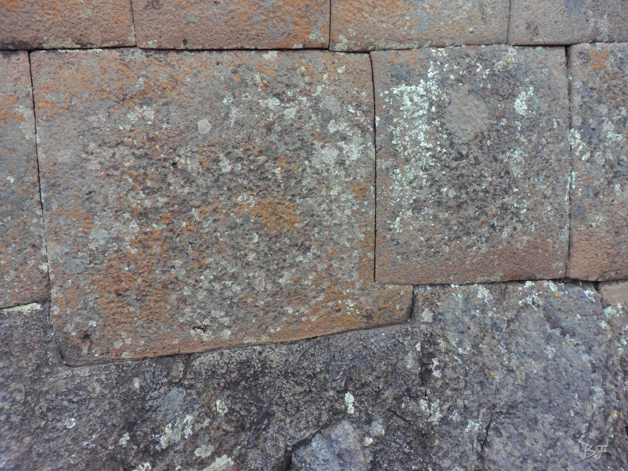 Mura-Poligonali-Megaliti-Altari-Rupestri-Pisac-Cusco-Perù-55