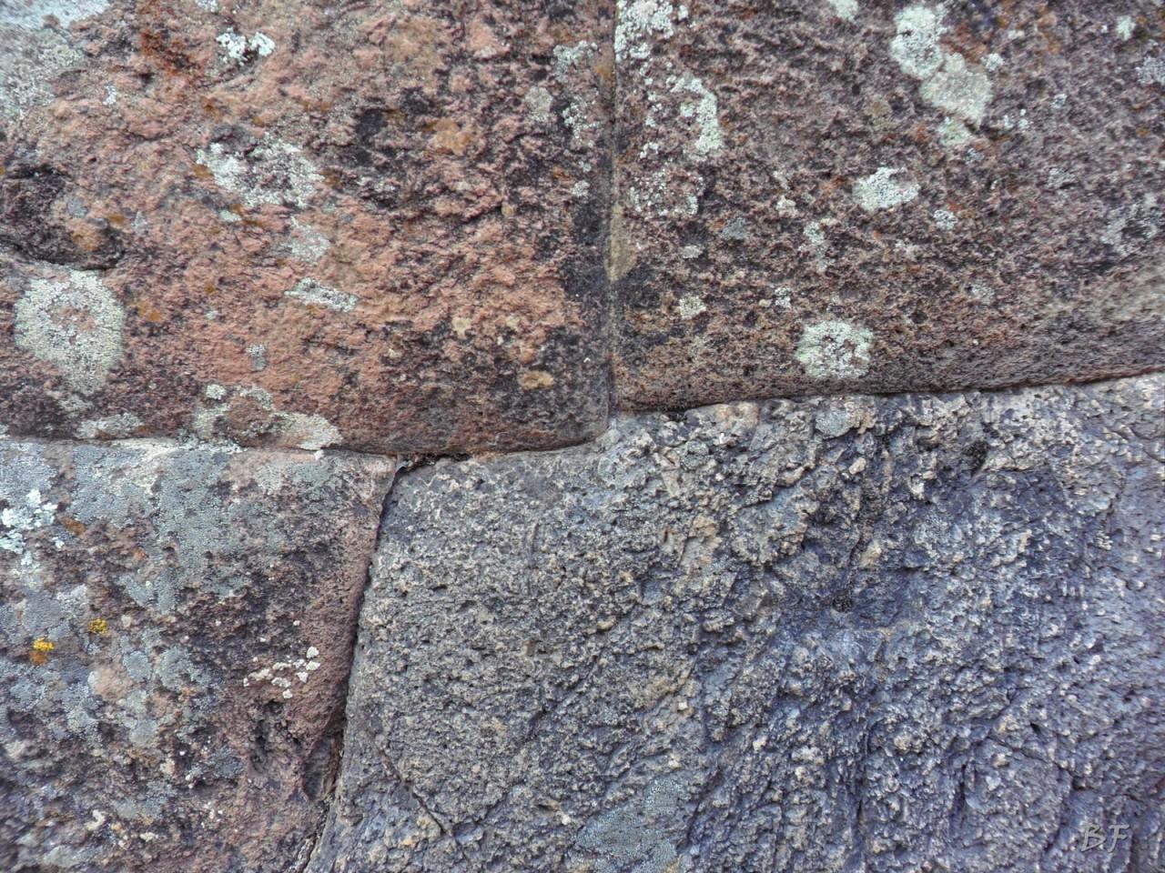 Mura-Poligonali-Megaliti-Altari-Rupestri-Pisac-Cusco-Perù-57