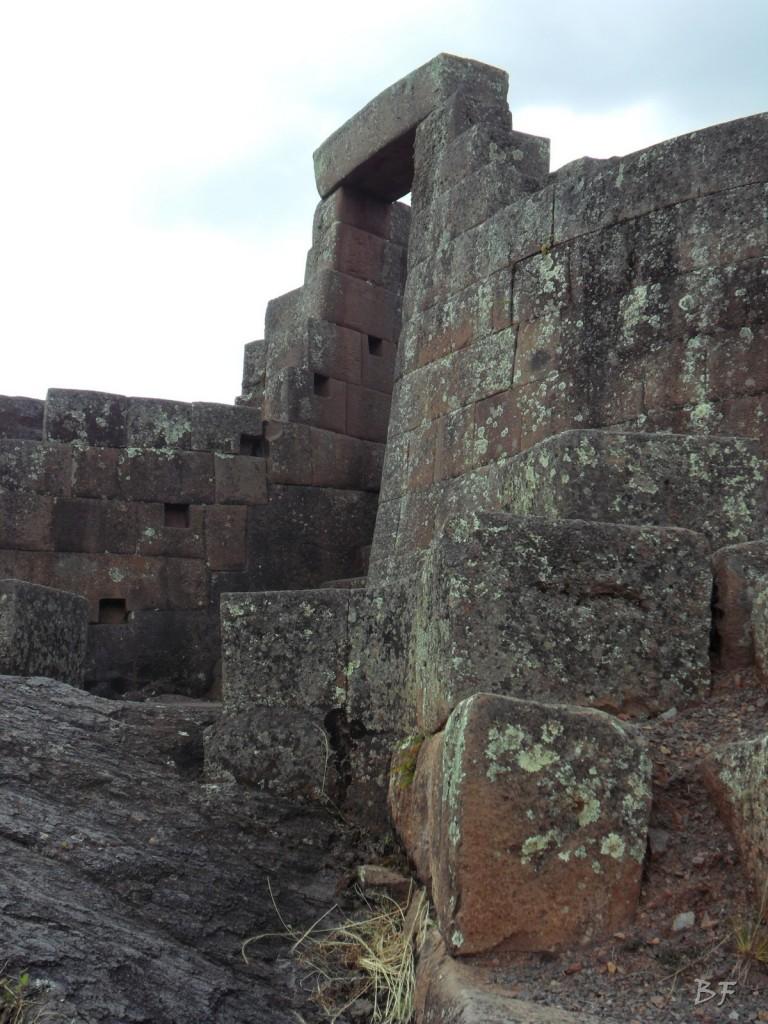 Mura-Poligonali-Megaliti-Altari-Rupestri-Pisac-Cusco-Perù-58