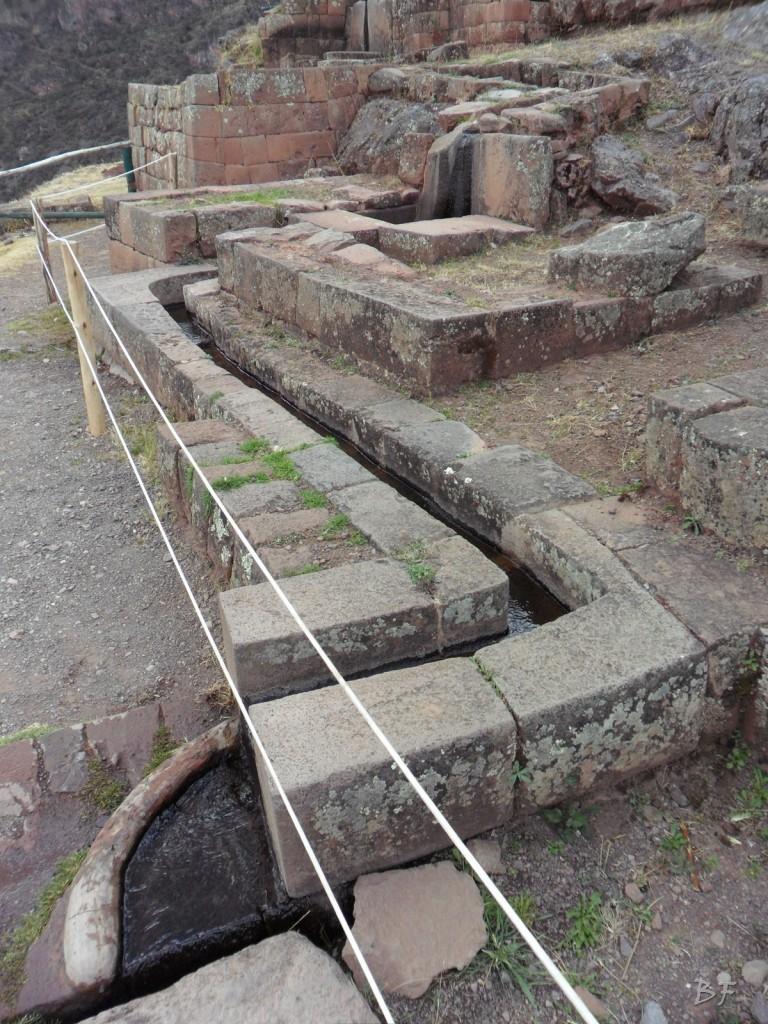 Mura-Poligonali-Megaliti-Altari-Rupestri-Pisac-Cusco-Perù-65