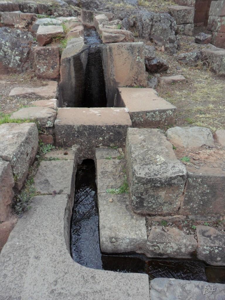 Mura-Poligonali-Megaliti-Altari-Rupestri-Pisac-Cusco-Perù-68
