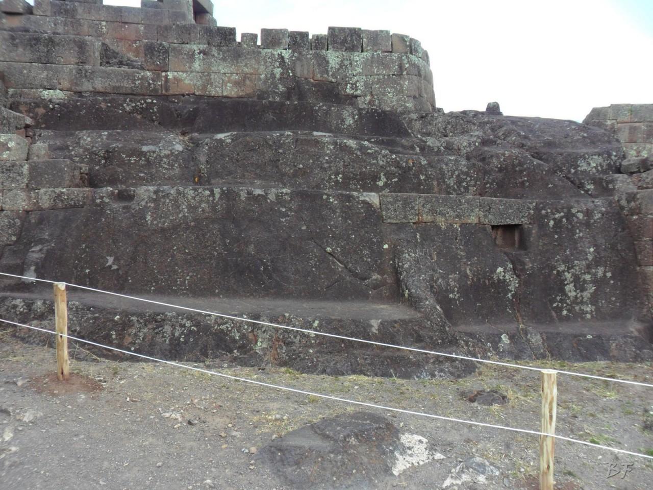 Mura-Poligonali-Megaliti-Altari-Rupestri-Pisac-Cusco-Perù-70