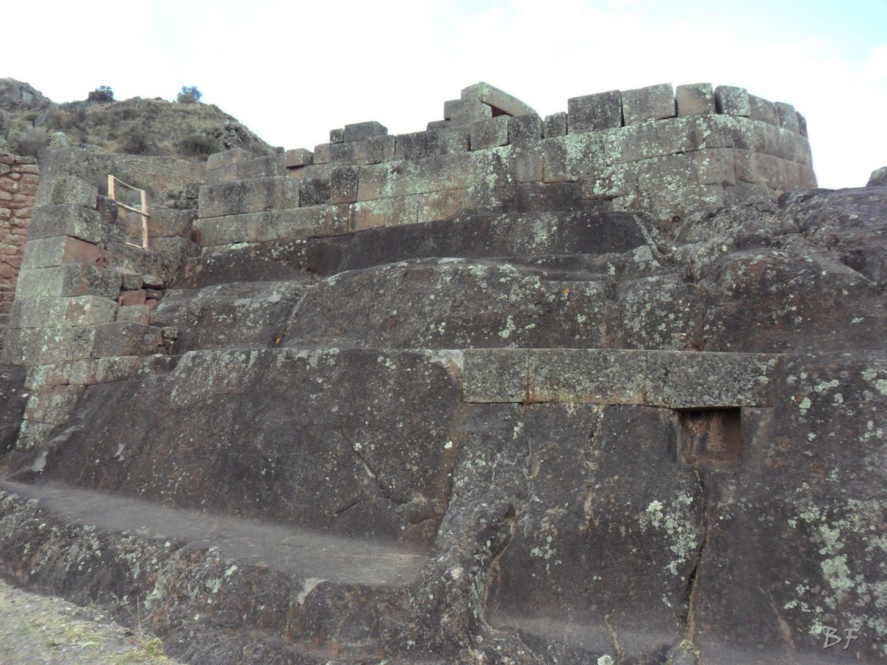 Mura-Poligonali-Megaliti-Altari-Rupestri-Pisac-Cusco-Perù-72