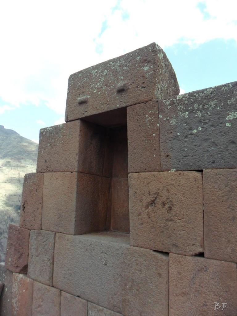 Mura-Poligonali-Megaliti-Altari-Rupestri-Pisac-Cusco-Perù-73