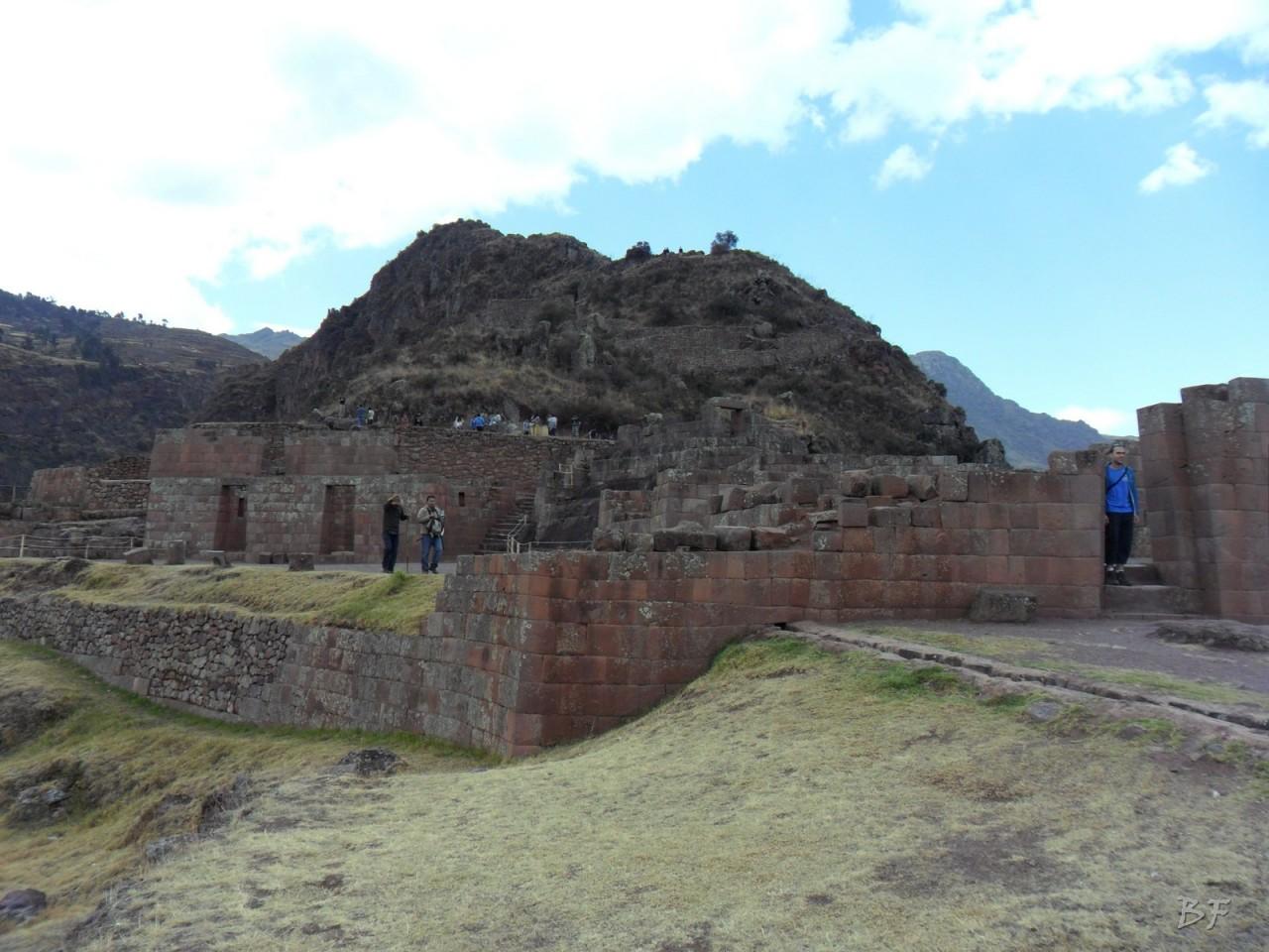 Mura-Poligonali-Megaliti-Altari-Rupestri-Pisac-Cusco-Perù-75