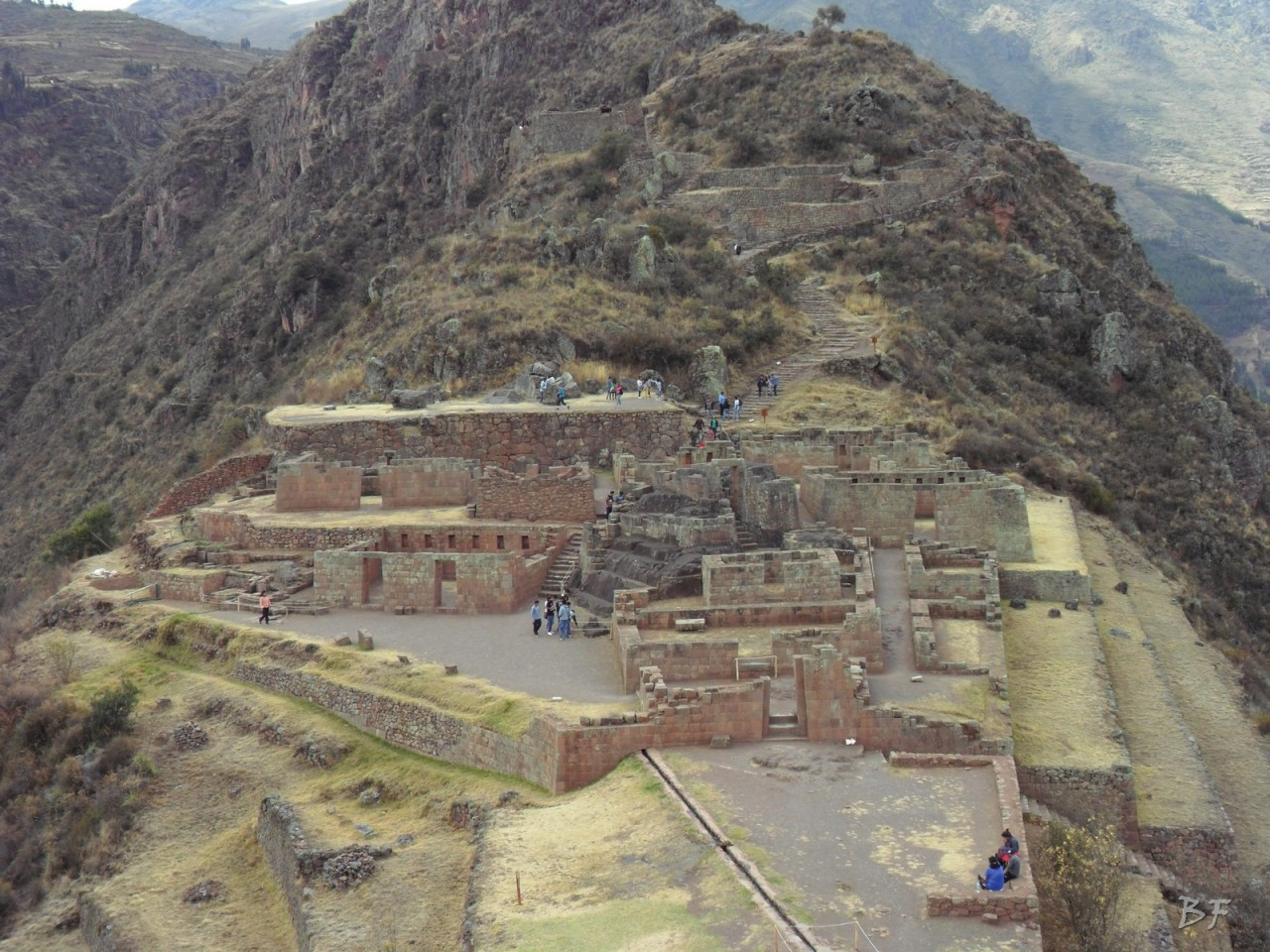 Mura-Poligonali-Megaliti-Altari-Rupestri-Pisac-Cusco-Perù-77