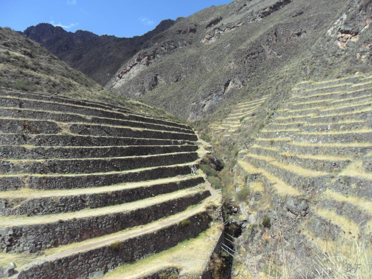 Mura-Poligonali-Megaliti-Altari-Rupestri-Pisac-Cusco-Perù-88