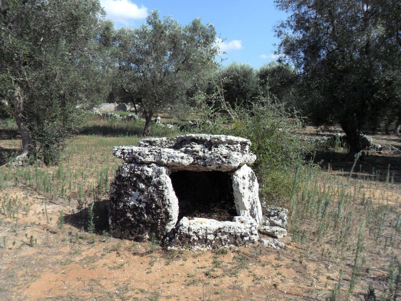 Dolmen-Placa-Melendugno-Megaliti-Salento-Lecce-Puglia-Italia-2