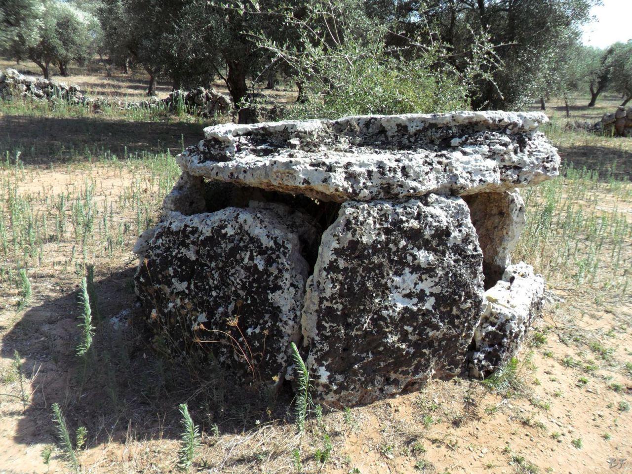 Dolmen-Placa-Melendugno-Megaliti-Salento-Lecce-Puglia-Italia-5