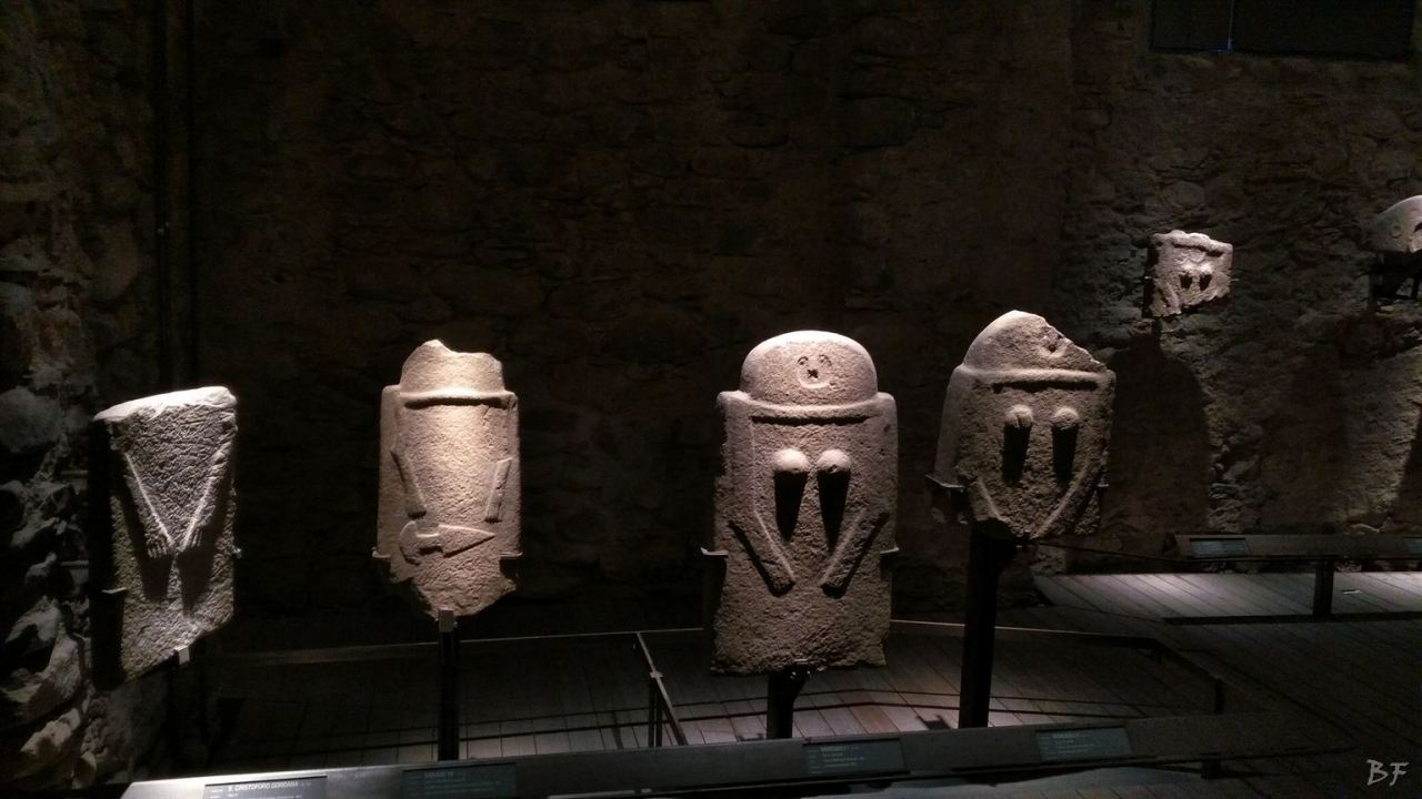 Statue-Stele-di-Pontremoli-Massa-Carrara-Lunigiana-Toscana-15