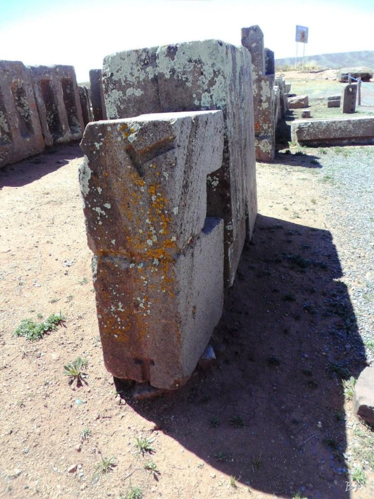 Puma-Punku-Area-Megalitica-Mura-Poligonali-Megaliti-Tiwanaku-Tiahuanaco-Bolivia-10