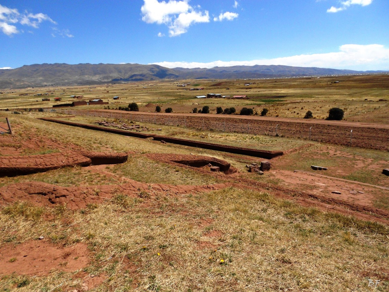Puma-Punku-Area-Megalitica-Mura-Poligonali-Megaliti-Tiwanaku-Tiahuanaco-Bolivia-18