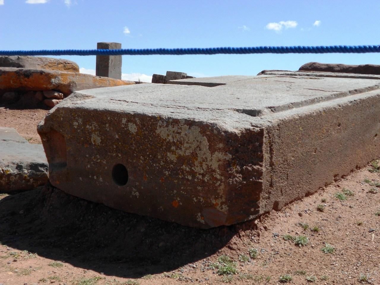 Puma-Punku-Area-Megalitica-Mura-Poligonali-Megaliti-Tiwanaku-Tiahuanaco-Bolivia-47