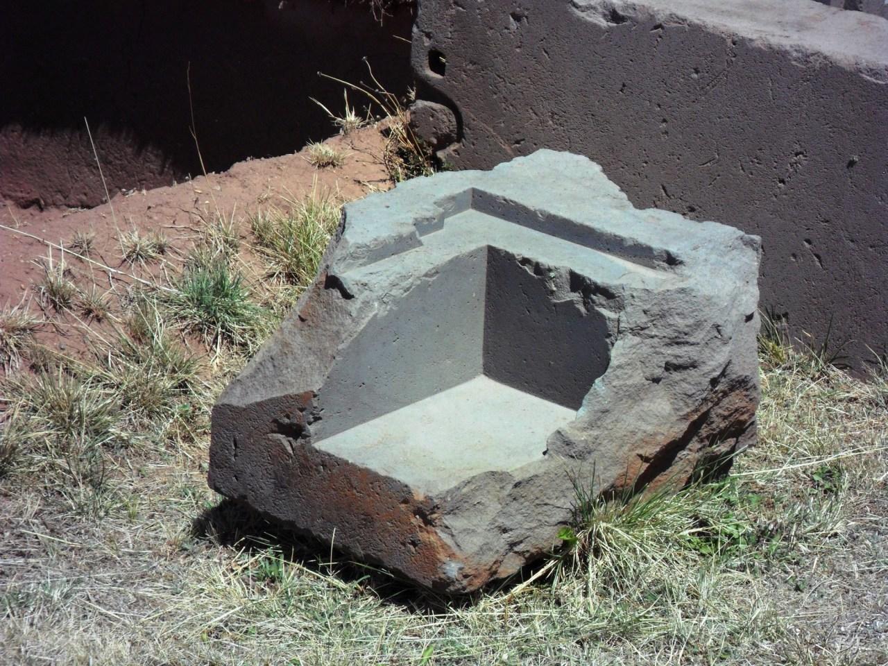 Puma-Punku-Area-Megalitica-Mura-Poligonali-Megaliti-Tiwanaku-Tiahuanaco-Bolivia-67