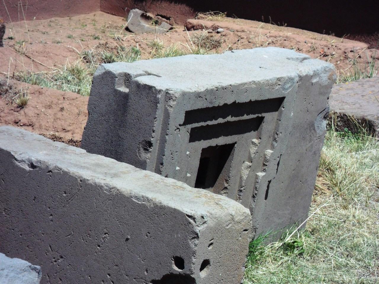 Puma-Punku-Area-Megalitica-Mura-Poligonali-Megaliti-Tiwanaku-Tiahuanaco-Bolivia-68