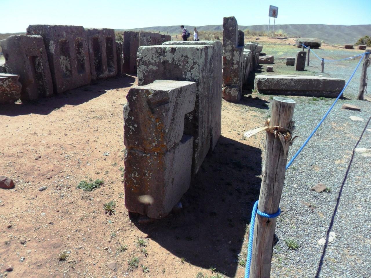 Puma-Punku-Area-Megalitica-Mura-Poligonali-Megaliti-Tiwanaku-Tiahuanaco-Bolivia-9