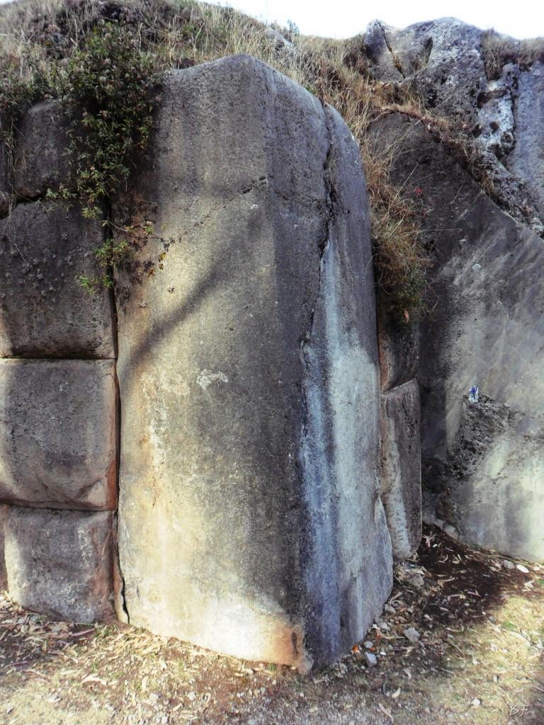 Qenqo-Chico-Altari-Mura-Poligonali-Megaliti-Cusco-Perù-13