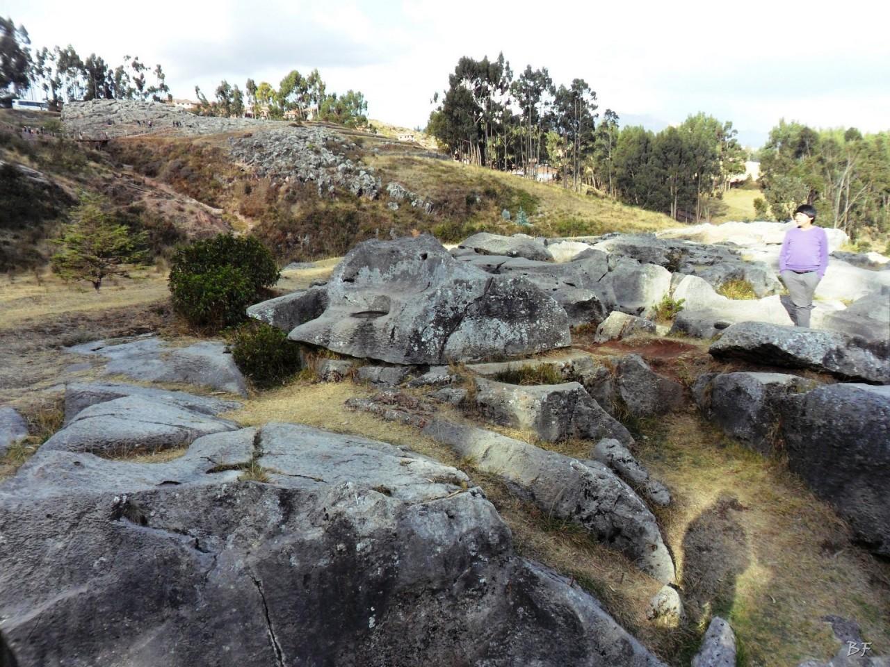 Qenqo-Chico-Altari-Mura-Poligonali-Megaliti-Cusco-Perù-4