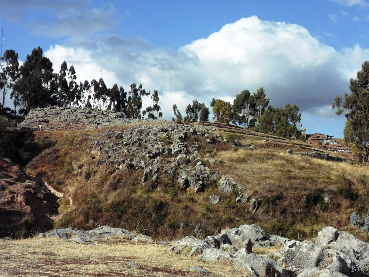 Qenqo-Chico-Altari-Mura-Poligonali-Megaliti-Cusco-Perù-6