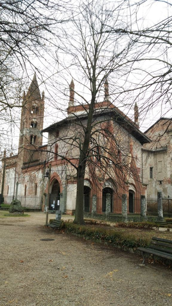 Pietra-Sant-Antonio-Ranverso-Valle-di-Susa-Torino-Piemonte-Italia-4