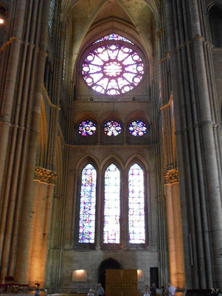 Cattedrale-Gotica-della-Vergine-di-Reims-Marne-Gran-Est-Francia-1