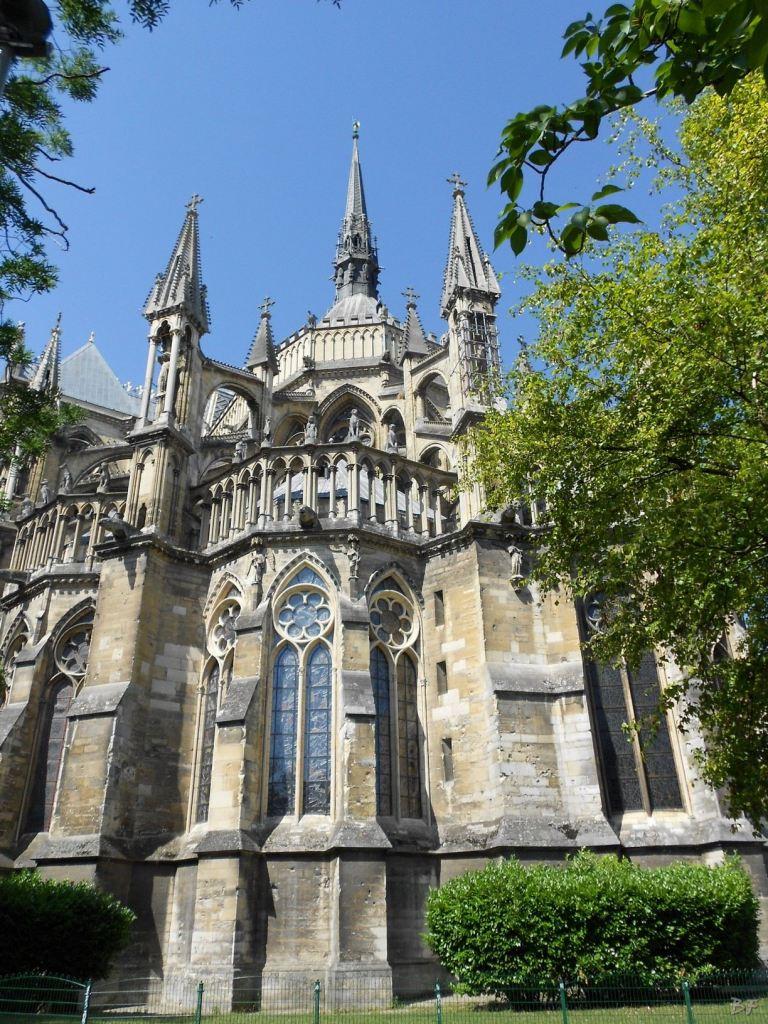 Cattedrale-Gotica-della-Vergine-di-Reims-Marne-Gran-Est-Francia-10