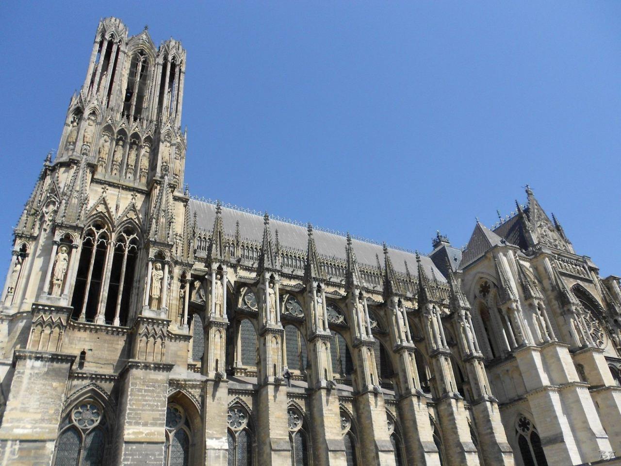 Cattedrale-Gotica-della-Vergine-di-Reims-Marne-Gran-Est-Francia-11