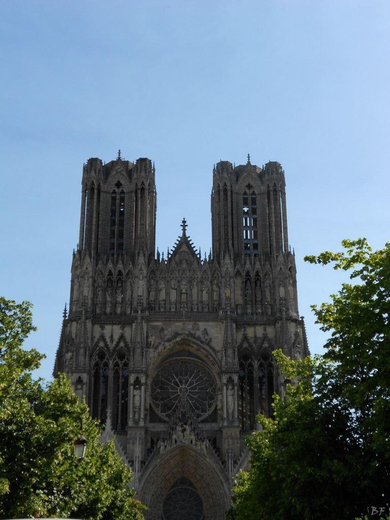 Cattedrale-Gotica-della-Vergine-di-Reims-Marne-Gran-Est-Francia-13