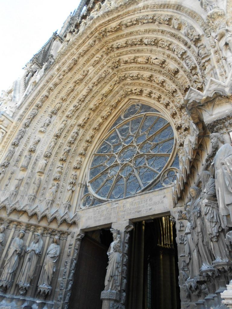 Cattedrale-Gotica-della-Vergine-di-Reims-Marne-Gran-Est-Francia-16