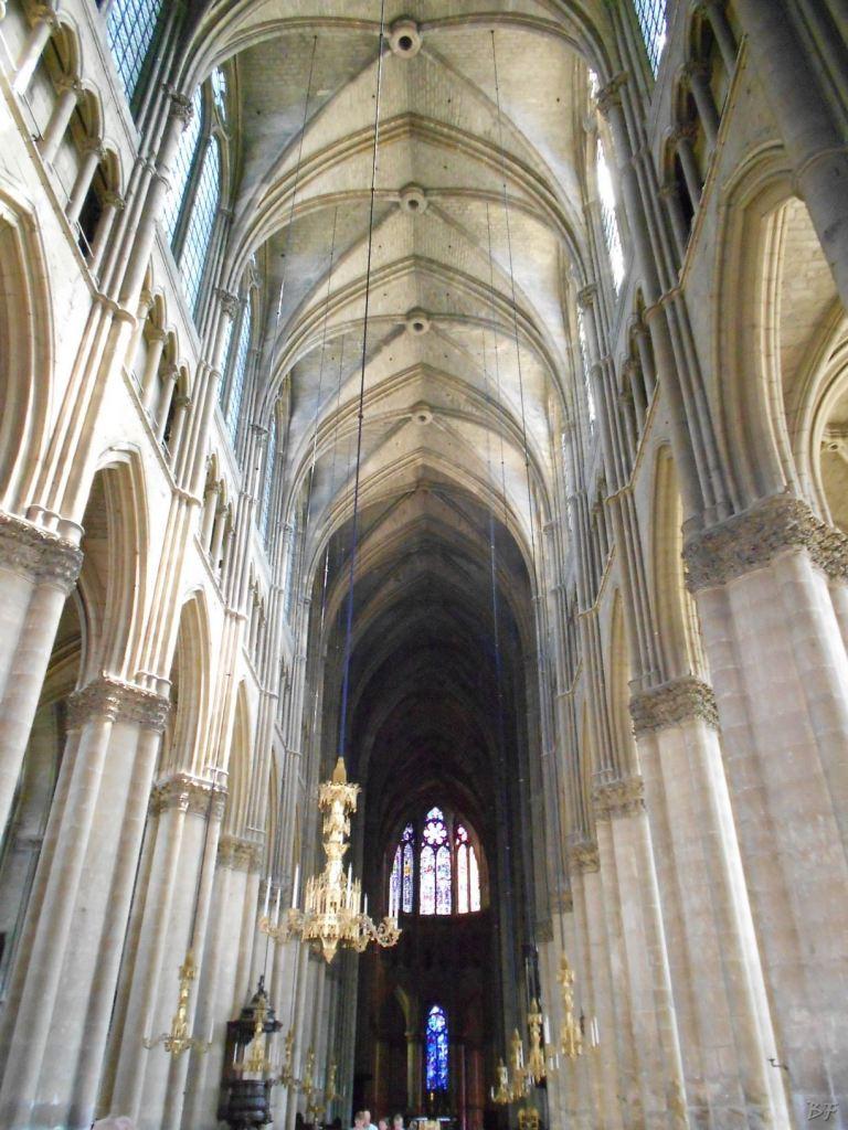 Cattedrale-Gotica-della-Vergine-di-Reims-Marne-Gran-Est-Francia-17