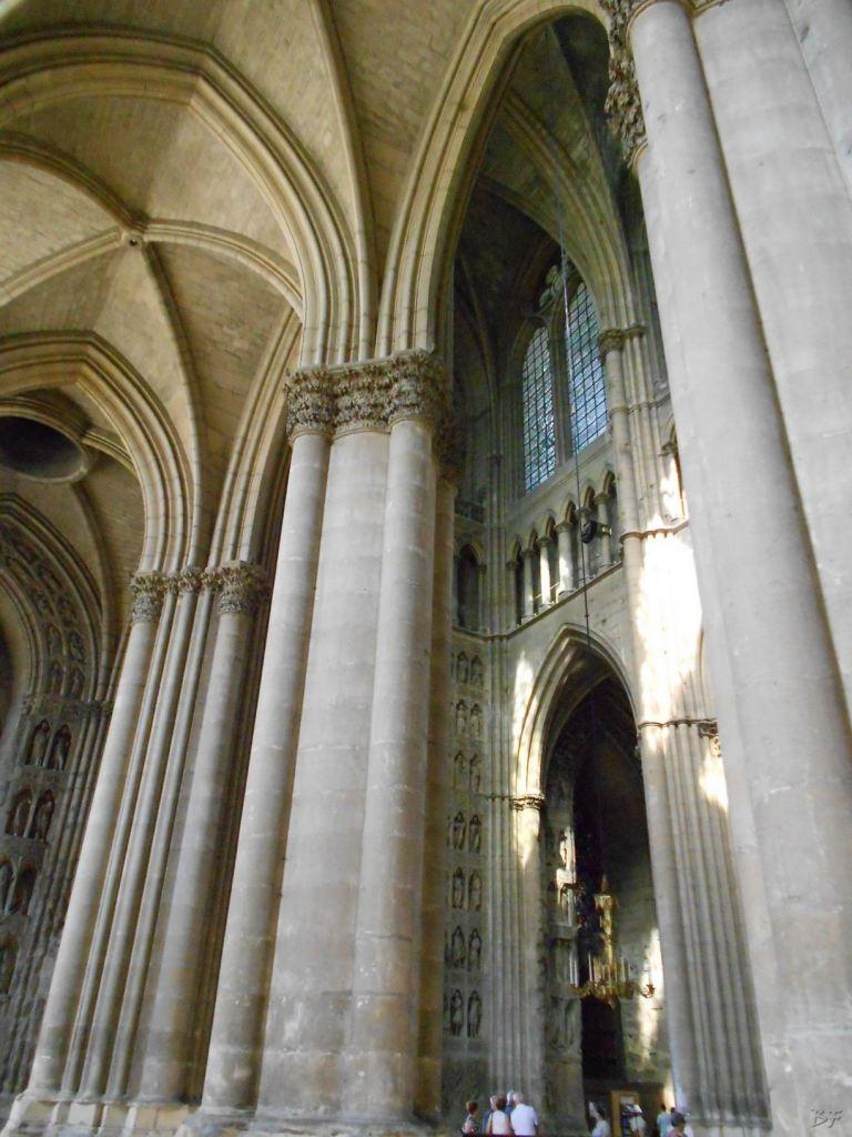 Cattedrale-Gotica-della-Vergine-di-Reims-Marne-Gran-Est-Francia-19