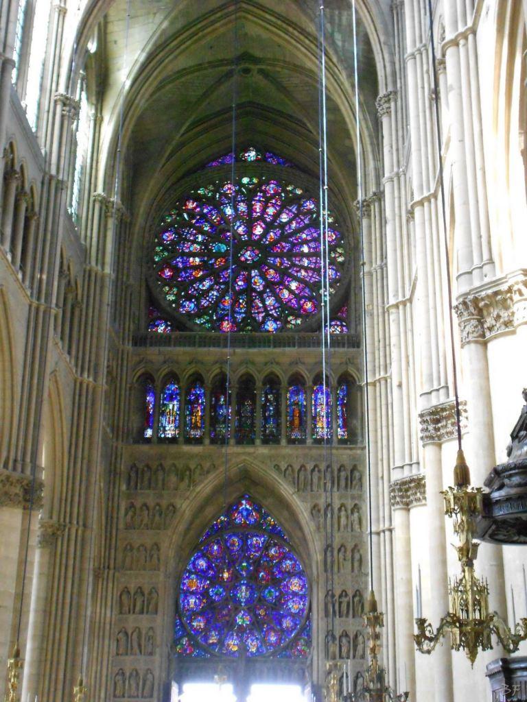 Cattedrale-Gotica-della-Vergine-di-Reims-Marne-Gran-Est-Francia-2
