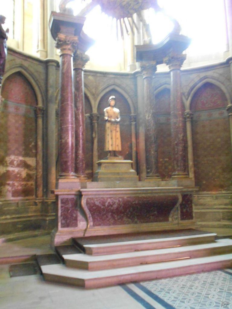 Cattedrale-Gotica-della-Vergine-di-Reims-Marne-Gran-Est-Francia-24