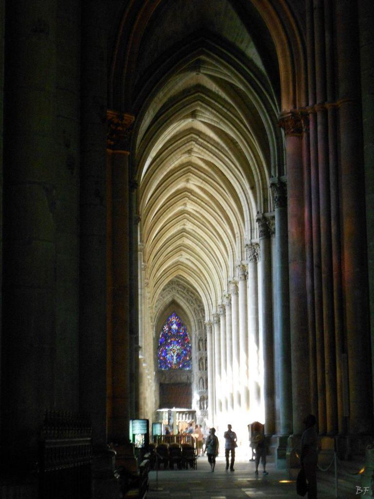 Cattedrale-Gotica-della-Vergine-di-Reims-Marne-Gran-Est-Francia-4