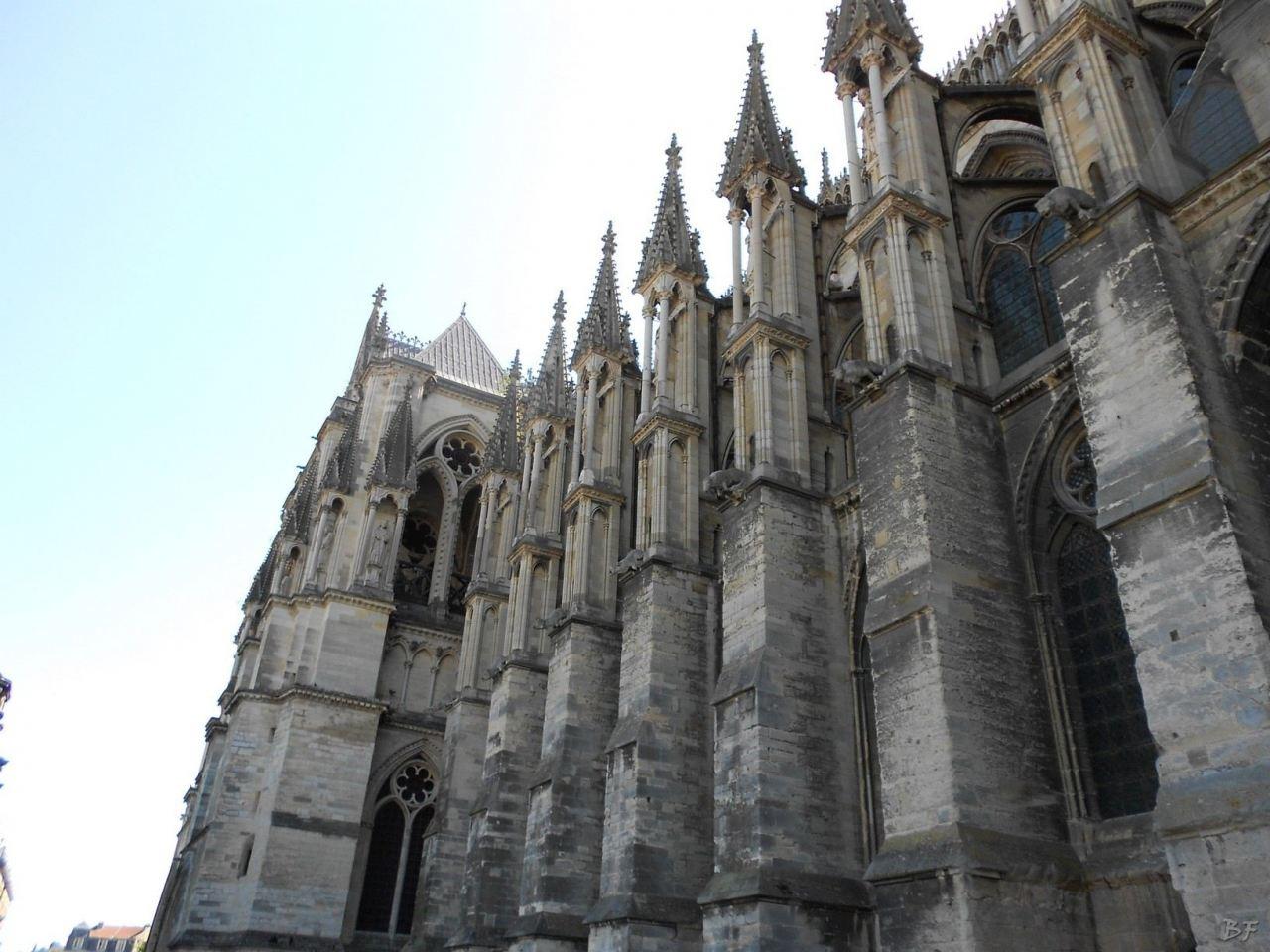 Cattedrale-Gotica-della-Vergine-di-Reims-Marne-Gran-Est-Francia-5