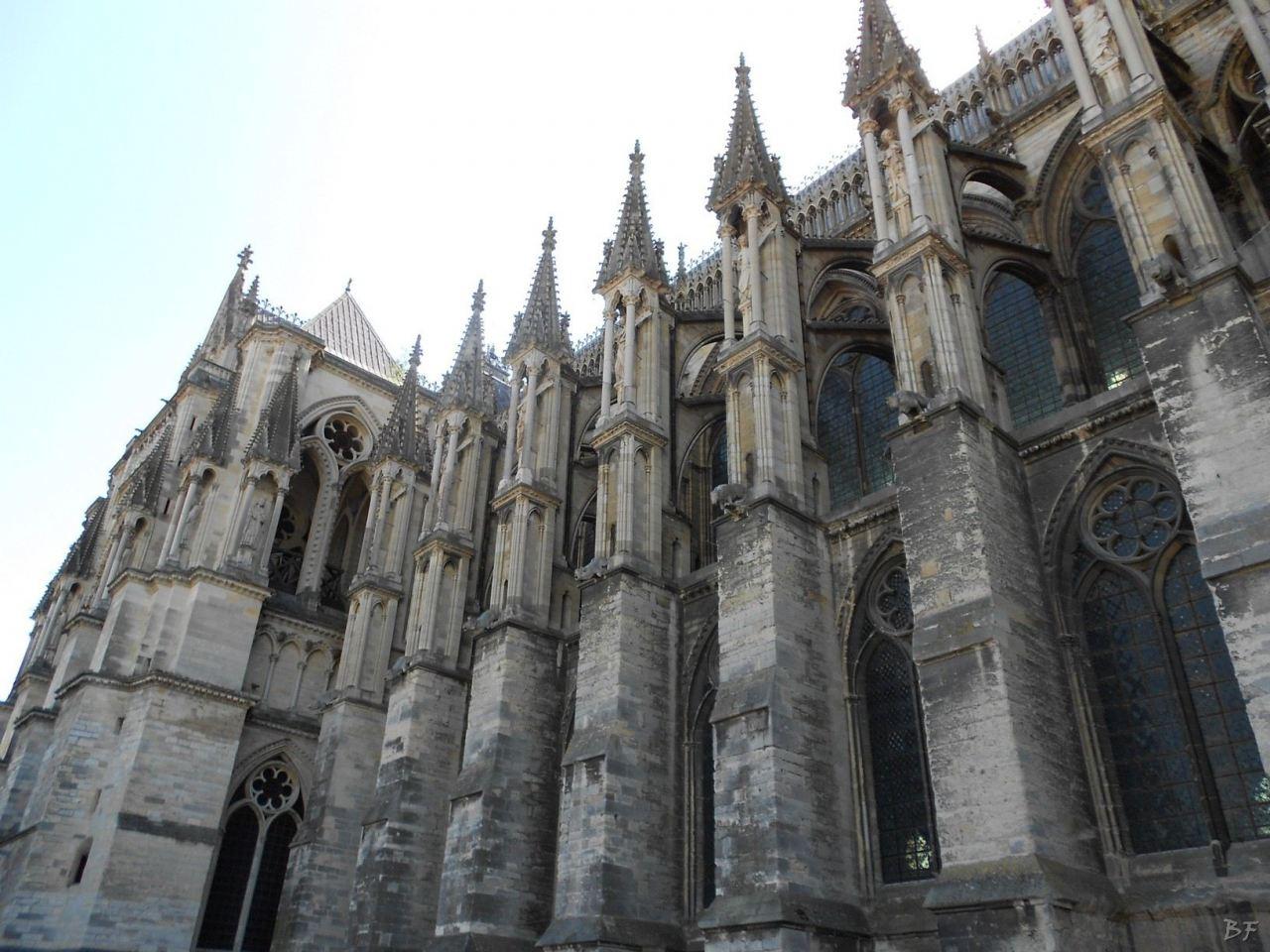 Cattedrale-Gotica-della-Vergine-di-Reims-Marne-Gran-Est-Francia-7