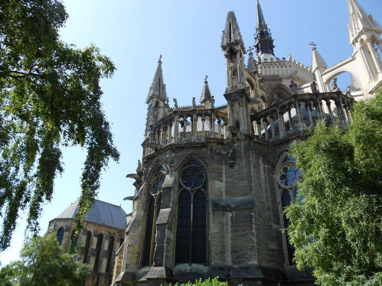 Cattedrale-Gotica-della-Vergine-di-Reims-Marne-Gran-Est-Francia-9