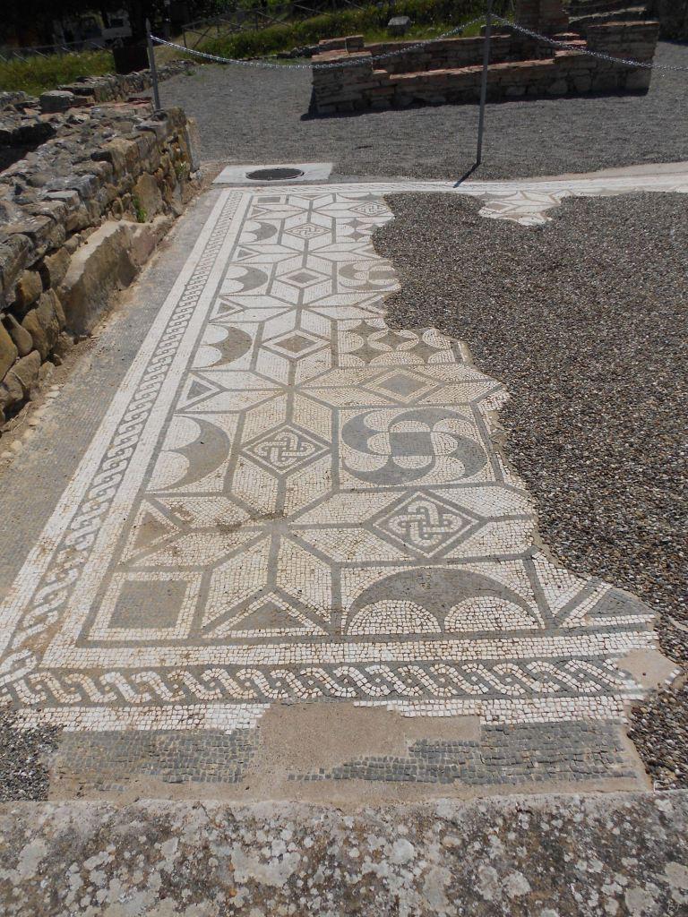 Roselle-Mura-Megalitiche-Roselle-Grosseto-Toscana-Italia-17