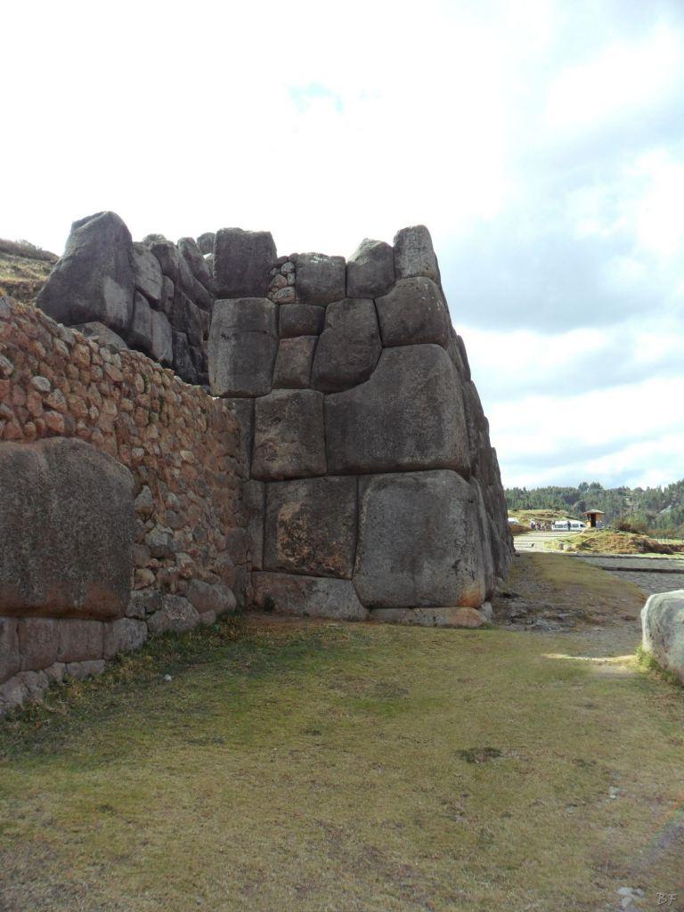 Sacsayhuamán-Mura-Megalitiche-Poligonali-Cusco-Peru-1