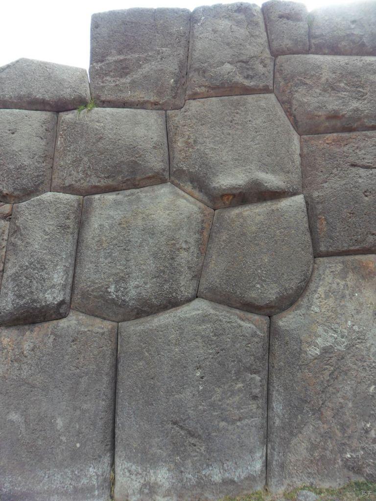 Sacsayhuamán-Mura-Megalitiche-Poligonali-Cusco-Peru-11
