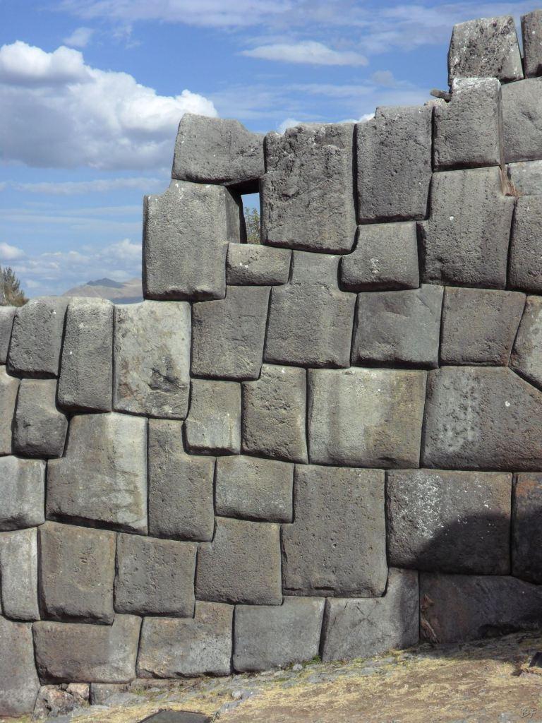 Sacsayhuamán-Mura-Megalitiche-Poligonali-Cusco-Peru-20