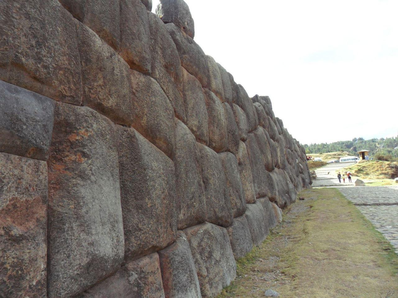 Sacsayhuamán-Mura-Megalitiche-Poligonali-Cusco-Peru-3